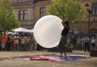 Reprezentatie cu balon - Festivalul international de teatru Atelier - Baia Mare 2007 (13/51)