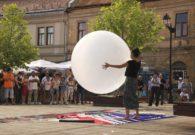 Reprezentatie cu balon - Festivalul international de teatru Atelier - Baia Mare 2007 (14/51)