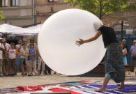 Reprezentatie cu balon - Festivalul international de teatru Atelier - Baia Mare 2007 (16/51)